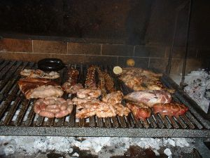 800px-Argentinean_asado